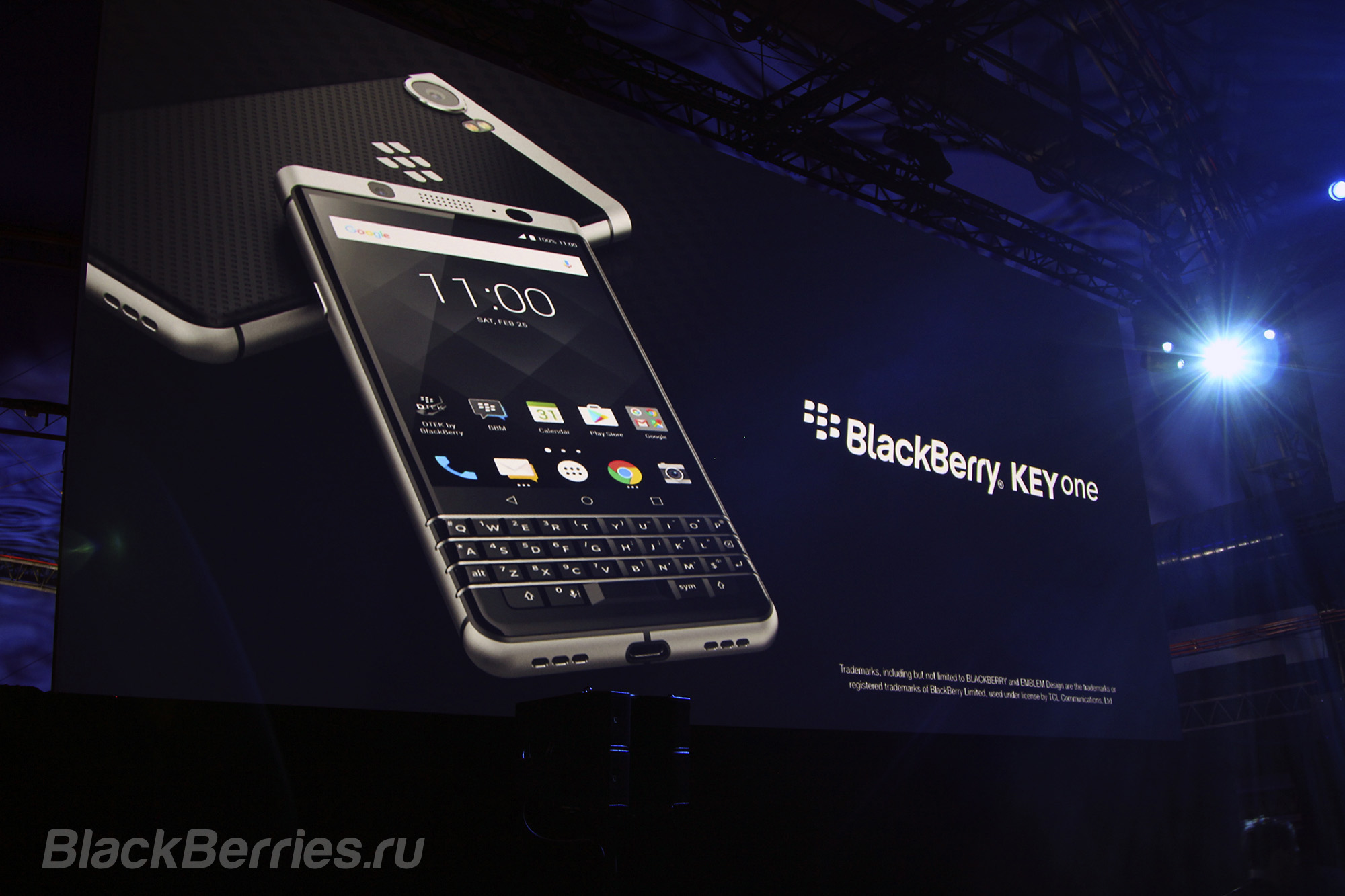 BlackBerry-KeyOne-14